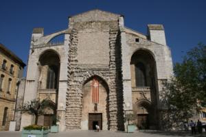 Basilique_Sainte-Marie-Madeleine_de_Saint-Maximin-la-Sainte-Baume_portail